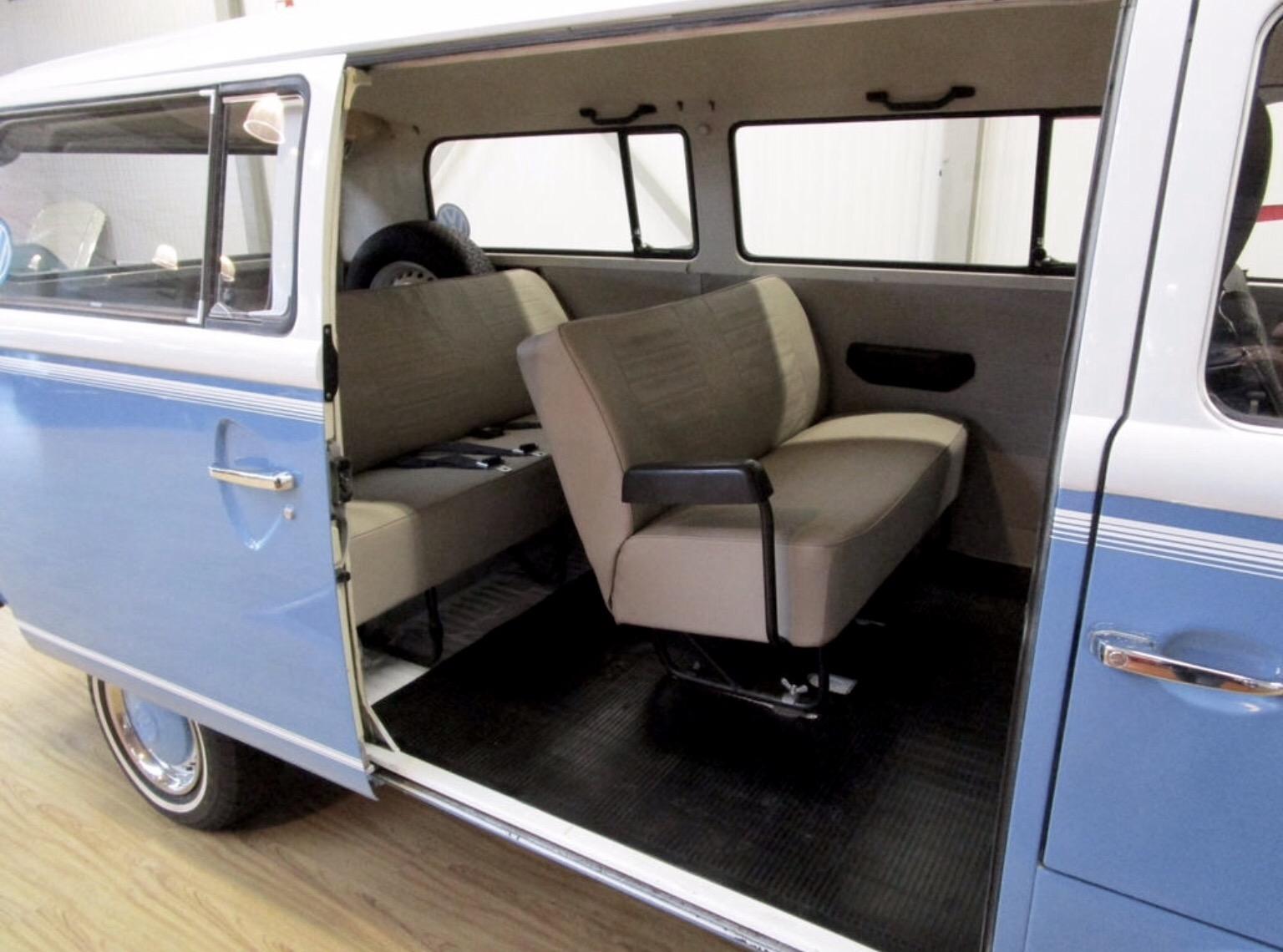 vw t2 oldtimer mieten 24. Black Bedroom Furniture Sets. Home Design Ideas
